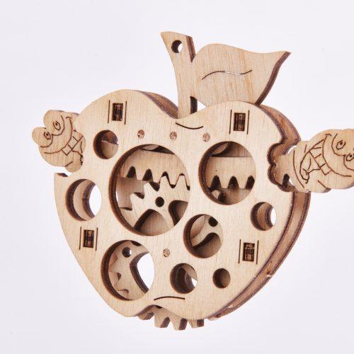 wood trick jabłko prezentacja
