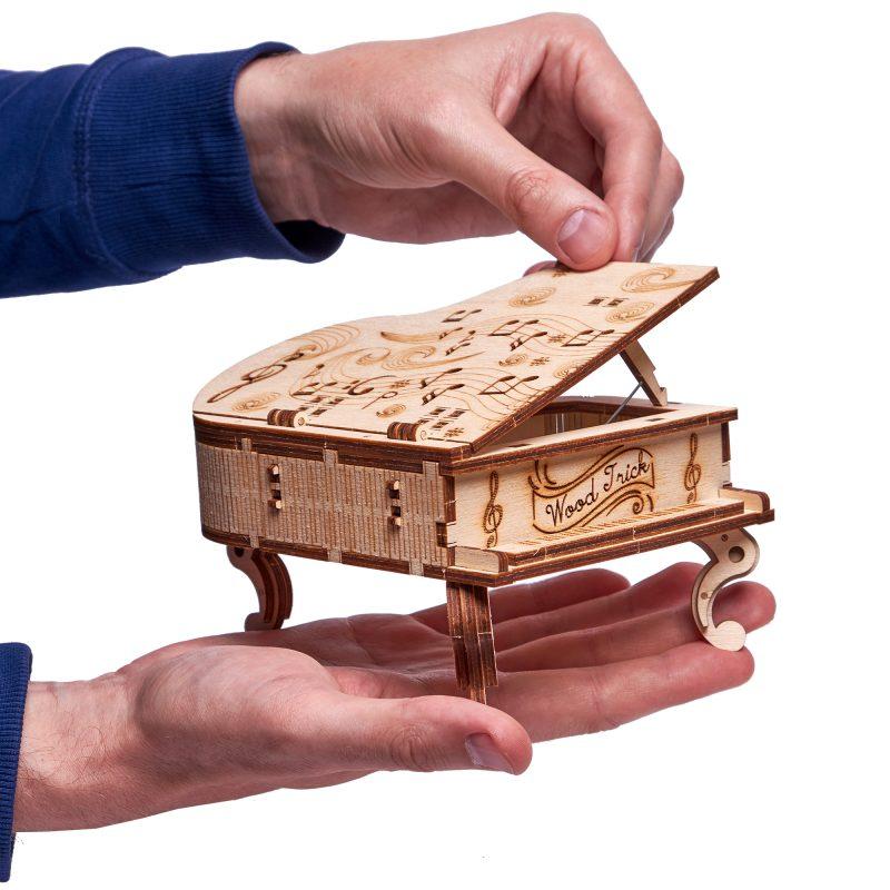 wood trick fortepian z pozytywką otwieranie